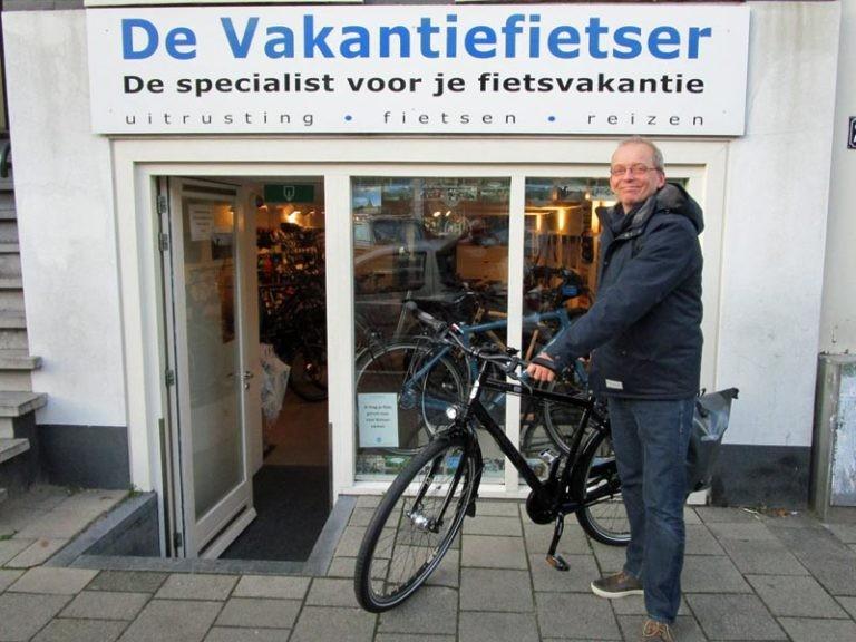 Arnout met zijn nieuwe Gaastra van de Vakantiefietser.