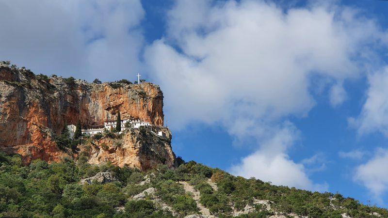 elonis klooster, op weg naar Kosmas