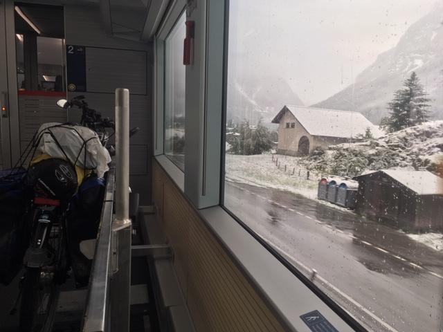 Met je idworx Easy Rohler in trein bij St Moritz, Zwitserland