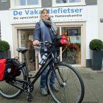 Lynn kocht bij ons een Gaastra 4.11, dat is een Gaastra met een Shimano Alfine naaf. Een interessante fiets voor Nederlands terrein. De lage instap variant bleek meer geschikt dan het 'mixed frame'. Daardoor moesten wij op het laatste moment het frame wisselen. Soms is dat wat nodig is om de klant blij te maken. We hopen van harte dat dit gelukt is bij jou Lynn en we wensen je heel veel fietsplezier.