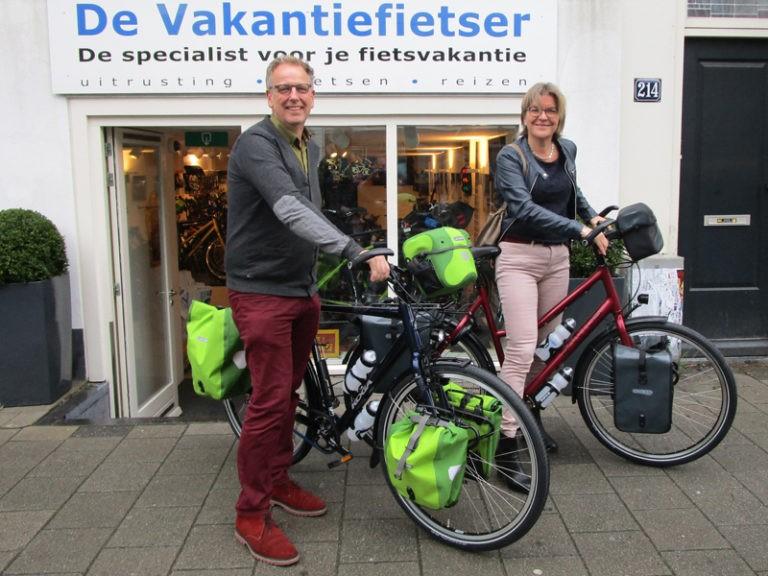 Bernadette en Chris hebben beide een mooie fiets uitgekozen. Goede reis!
