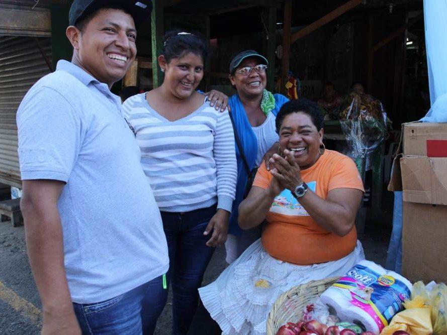 Lachende mensen in Nicaragua