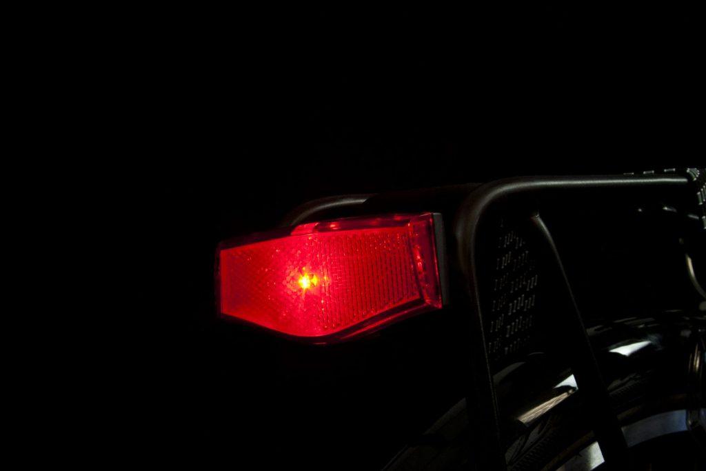 Achterlicht in het donker: Spanninga Plateo led-reflector
